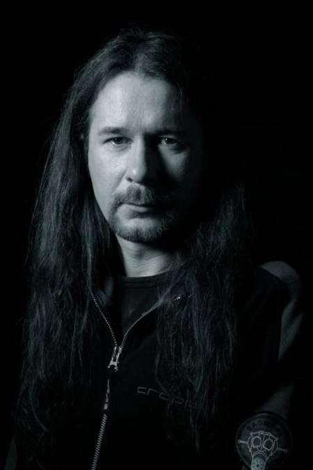 Przypomnijmy, że gitarzysta Mariusz Kumala rozstał się z Closterkeller pod koniec grudnia ubiegłego roku, zaś basista Krzysztof Najman na początku stycznia ... - news_nowy-projekt-bylych-muzykow-closterkeller_052e267b47fb16
